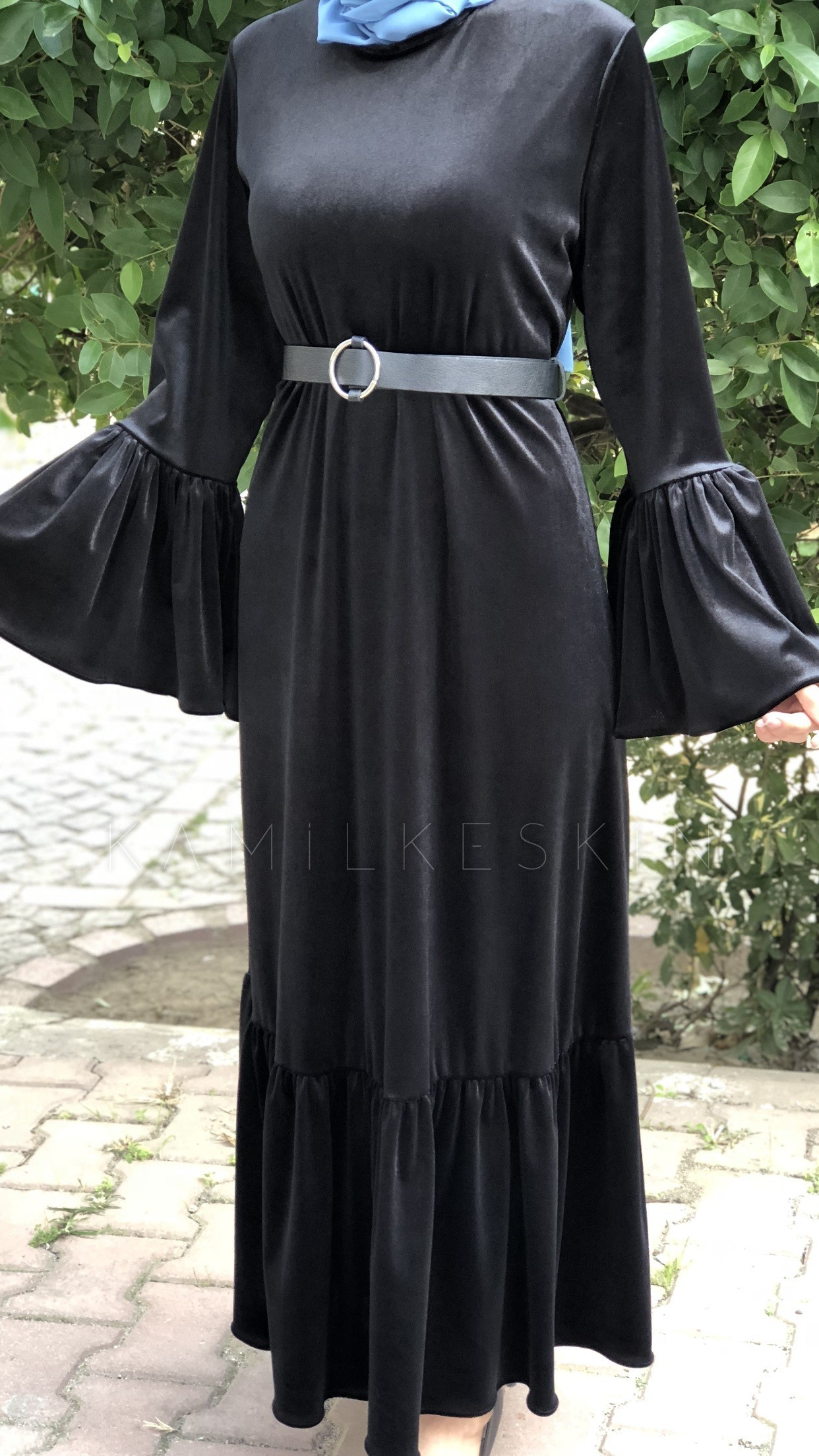 ELBİSE KADİFE VOLANLI